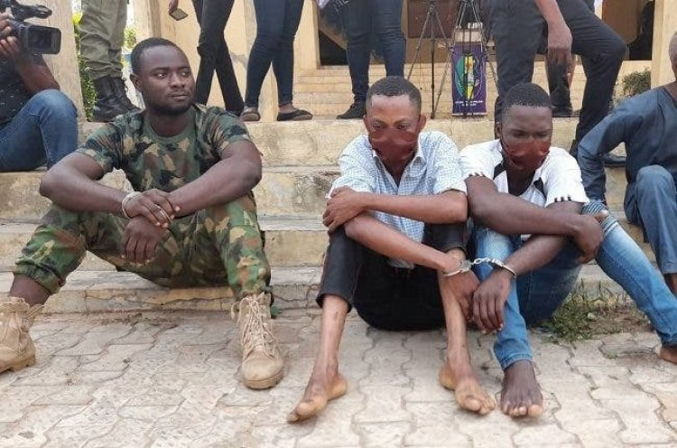 Police Constable, Serving Soldier Arrested For Armed Robbery In Ondo (Photo)