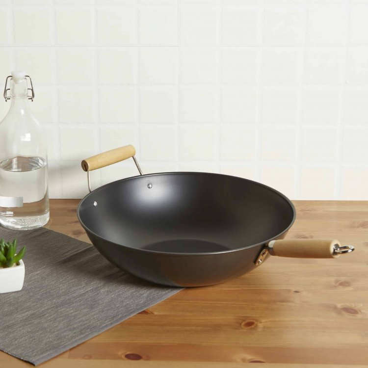 Walmart: Mainstays 13.75″ Non-Stick Wok for ONLY $5.76 (Reg. $8.00)