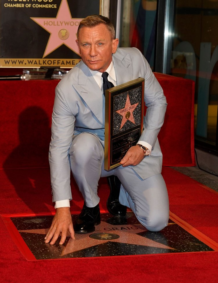 Daniel Craig Had The Best Line While Receiving His Star On The Hollywood Walk Of Fame